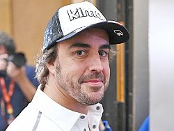 Alonso returns to F1 with Renault 'family'