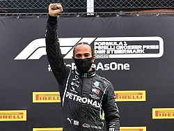 Hamilton cruises to Styrian Grand Prix victory
