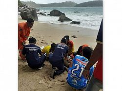 Cliff fisherman rescued and brought back to life at Nai Harn