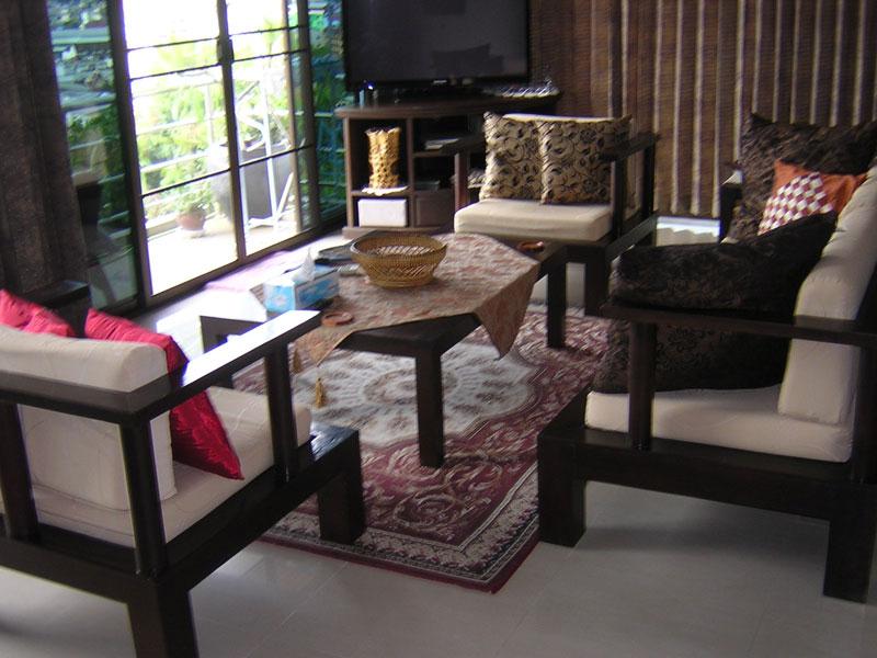 3 teak wood sofa +2 end chairs