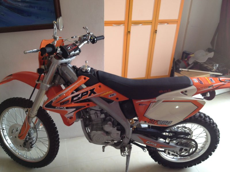 CPX 250 Motocross
