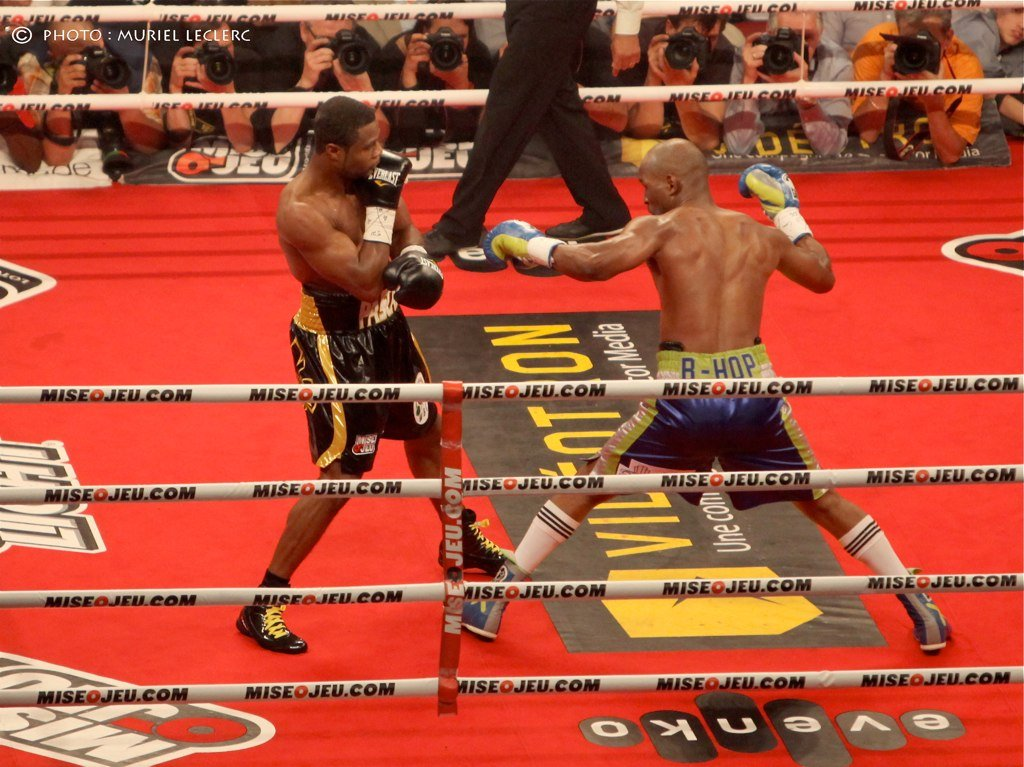 Ageless Hopkins to defend boxing crown against Murat