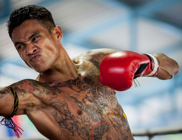 Thai inmates take on foreigners in Prison Fight