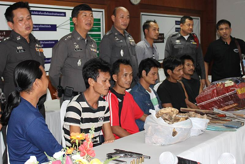 The arrested crew are displayed to the press at Thungtong Police Station.