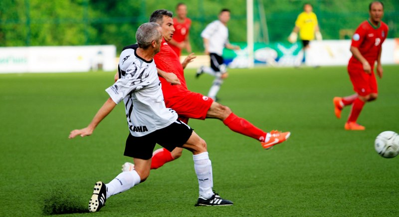 'Seasoned' ballers put skills to test in Seniors World Cup