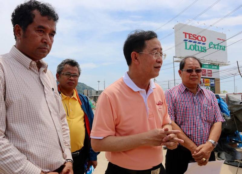 Deputy Minister for Transport Arkhom Termpittayapaisith inspected the Samkong and Darasamuth underpasses on May 2. Photo: Phuket News / file