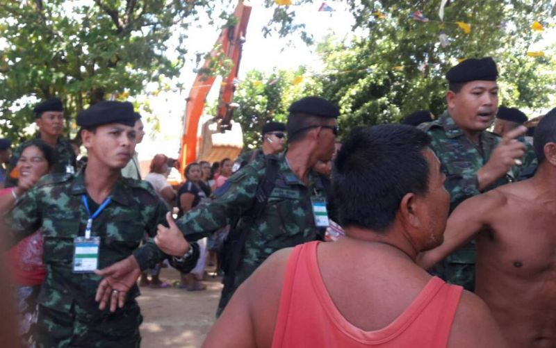 Military personnel arrived in time to break up the fight. Photo: PR Dept