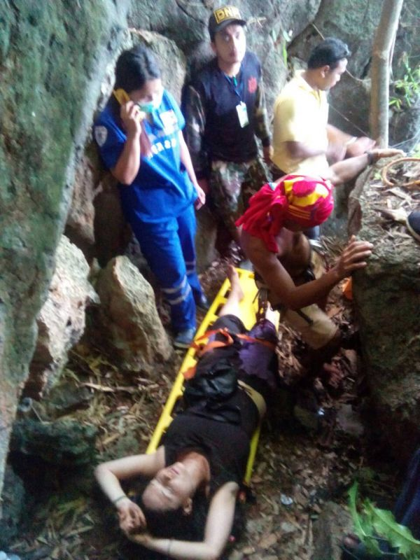 A search party found Ms Gavios this morning (Sept 2) after she survived the night after falling 45 metres down a steep slope. Photo: Eakkapop Thongtub