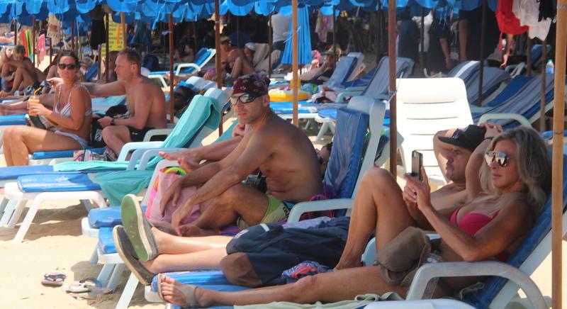 The sun loungers returned to Kata Beach today (Mar 3). Photo: Tanyaluk Sakoot