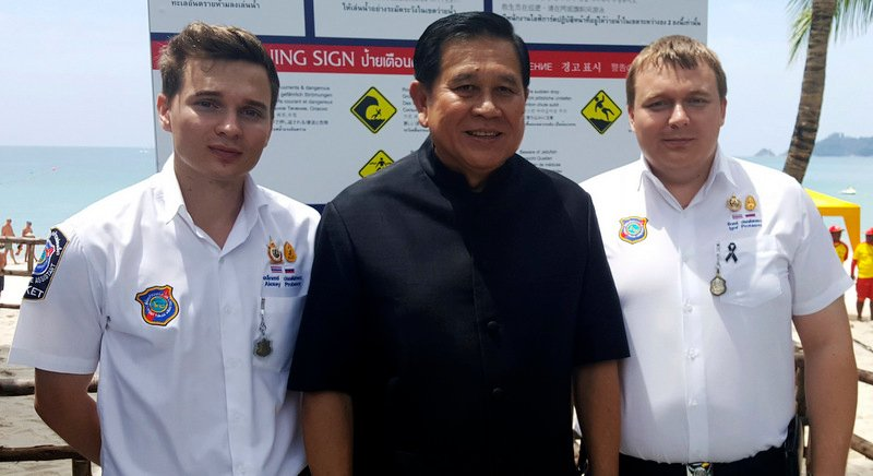 Alexey (L) and Igor Protasov (R), pictured with Deputy Prime Minister General Major Tanasak Patimapakorn during his visit to Phuket in March.
