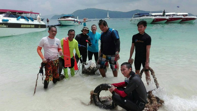 The clean-up netted a ton of garbage at Coral Island, where experts estimate that 75% of corals have been killed by mass tourism over the past 10 years. Photo: Eakkapop Thongtub