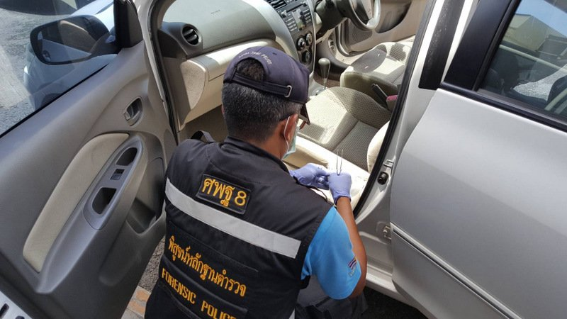 Phuket Police have sent blood stain samples found in the car rented by German Nico Pake for DNA tests. Photo: Eakkapop Thongtub