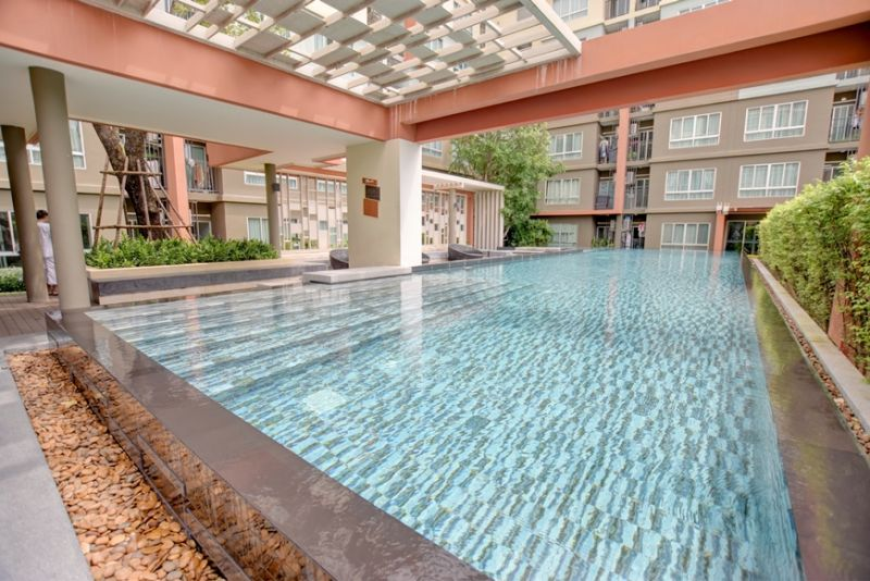 Top floor Freehold condo