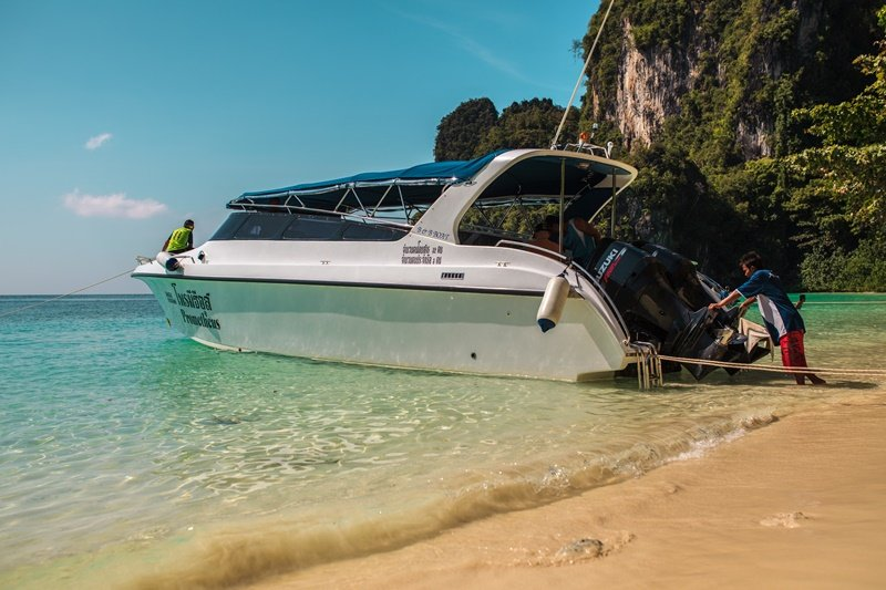 2 engine speed boats for sale