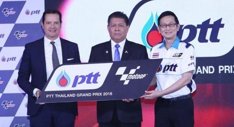 From left, Dorna Sports managing director Pau Serracanta, SAT governor Sakol Wannapong and PTT executive Auttapol Rerkpiboon at yesterday's (Dec 20) press conference. Photo: via Bangkok Post