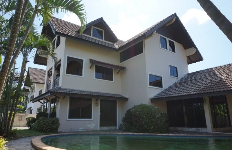 Large luxury house for sale