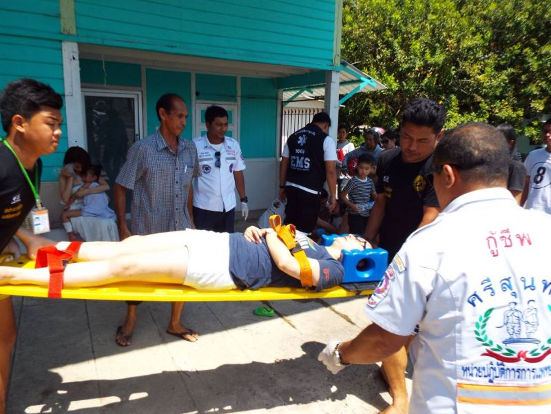 The injured were immediately taken to Thalang Hospital. Photo: Eakkapop Thongtub