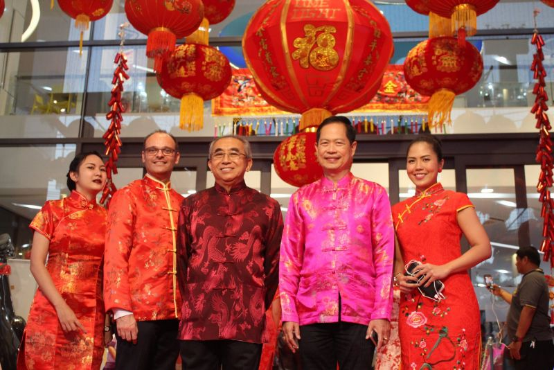 Officials seen here at Limelight Avenue in Phuket Town to mark the opening of the Lantern Festival. Photo: PPAO