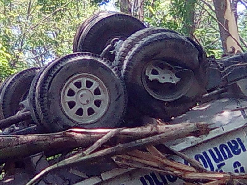 One tyre on the vehicle was found to have been broken. Photo: Eakkapop Thongtub