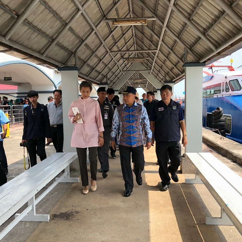 Phuket Governor Norraphat Plodthong yesterday (Mar 25) ordered officials to ramp up safety measures at popular tour boat piers as part of the annual safety drive for the Thai New Year Songkran festival next month. Photo: Ekkapop Thongtub