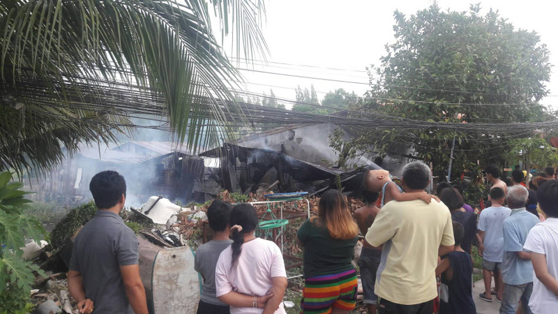 The house was destroyed by the fire in only about one hour. Photo: Eakkapop Thongtub