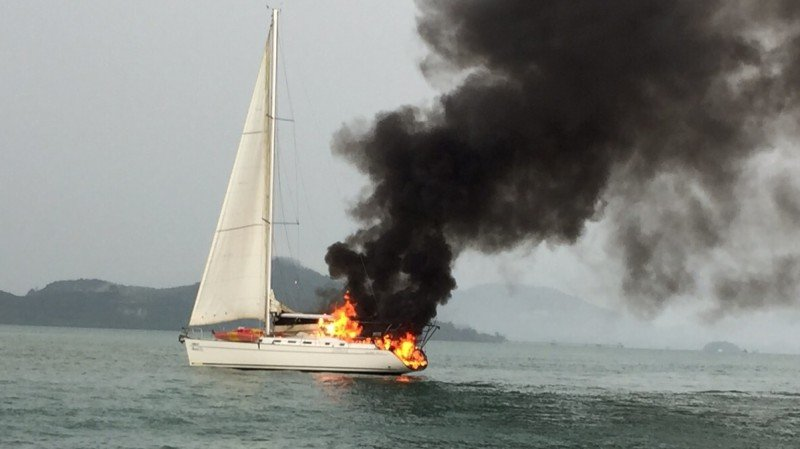Nine Brits safe after yacht set afire by lightning