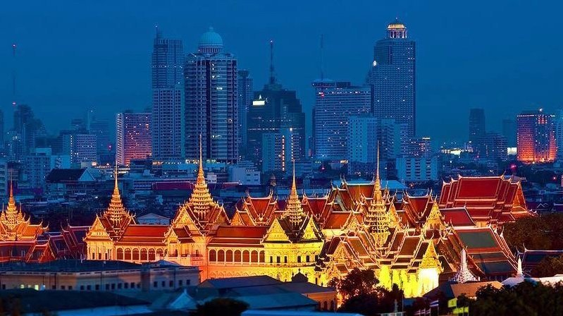 Ancient meets modern in the Bangkok skyline