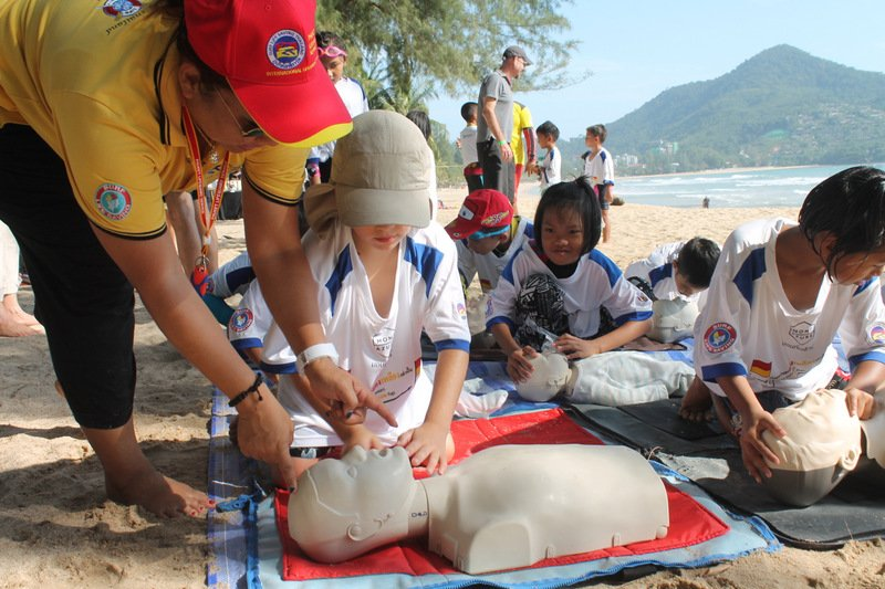 The Phuket Lifeguard Club will hold a Water Safety Training event for children at Patong Beach tomorrow (Dec 1). Photo: Tanyaluk Sakoot