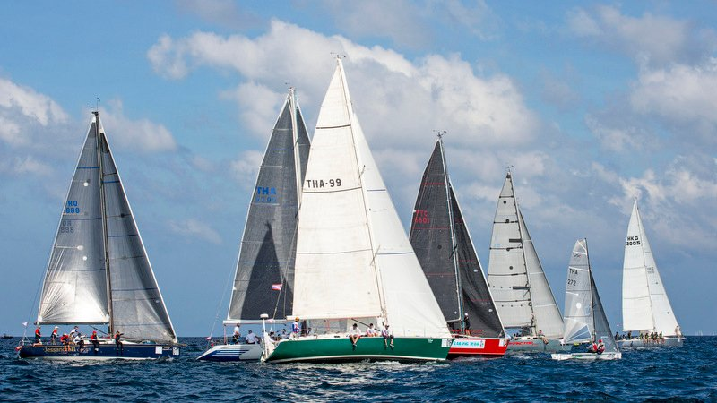 Yachts racing in the IRC 2 class crowd on the start line. Photo: Guy Nowell