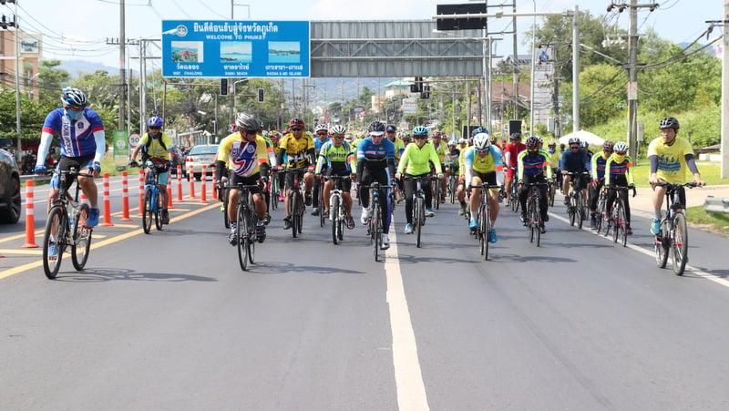 Phuket 'Bike Un Ai Rak' riders insured for injuries, Vice Governor assures