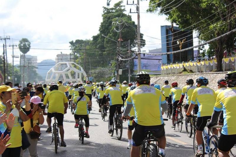 More than 3,000 cyclists join Phuket 'Bike Un Ai Rak' national cycling event yesterday (Dec 9). Photo: PR Dept