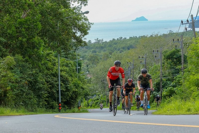 More than 250 cycling professionals and enthusiasts arrived to test themselves on the challenging route. Photo: Thanyapura