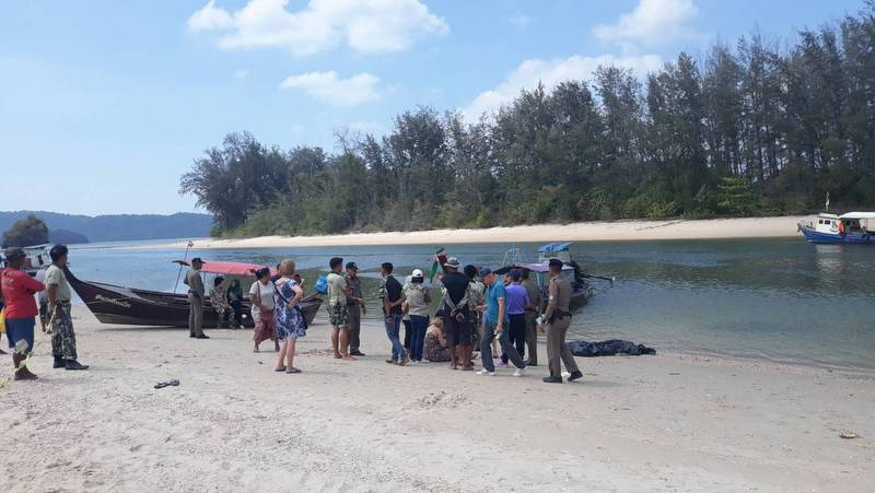 Polish, Canadian tourists die within hours while swimming in Krabi