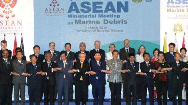 Ministers join hands in a gesture of cooperation at the Special Asean Ministerial Meeting on Marine Debris 2019 in Bangkok, which is scheduled to end today (Mar 6). Photo: Bangkok Post