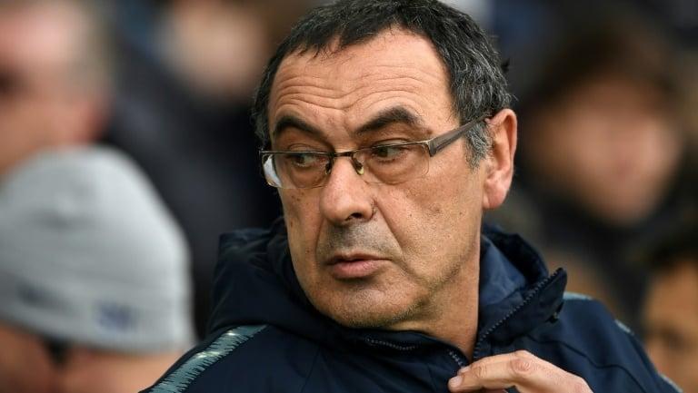 Stubborn Sarri threatens Chelsea's top-four hopes