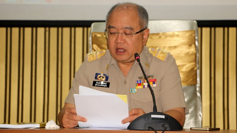 Phuket Governor Phakaphong Tavipatana speaking at yesterday's meeting, calling on officials to take steps 'in case of a drought'. Photo: PR Dept
