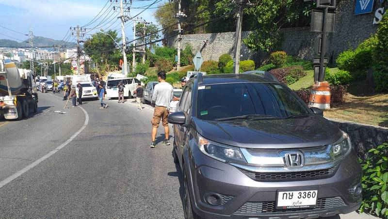 Nine vehicles were involved in the accident on Patong Hill on Thursday (Apr 4). Photo: Patong Municipality