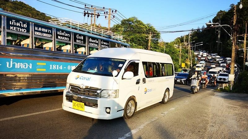 Patong police urge water-delivery trucks to avoid Patong Hill for Songkran