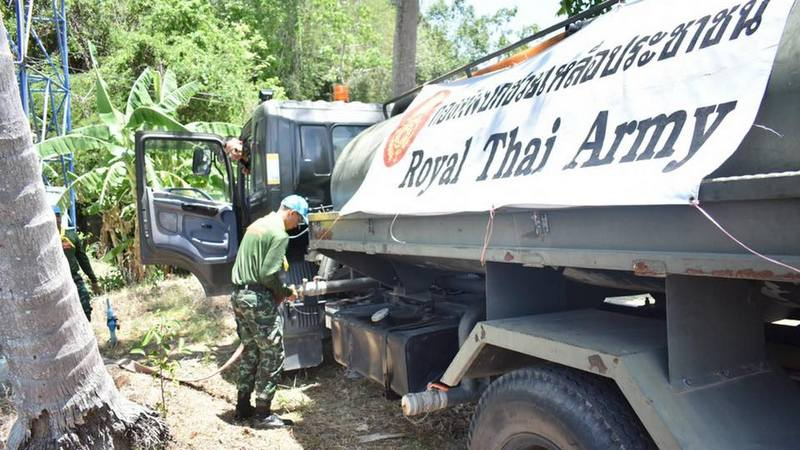 The Army Region 4 commander has ordered his soldiers to deliver emergency water supplies to Phuket. Photo: Royal Thai Army Region 4