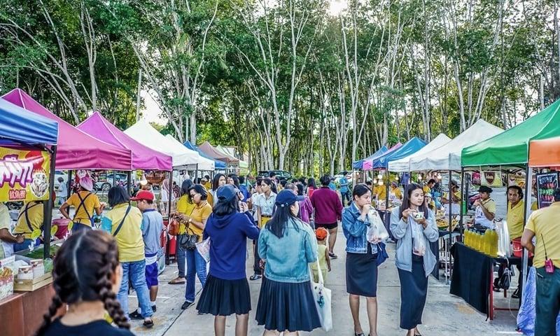The new market at Phuket Rajabhat University is open every Monday from 4pm to 9pm. Photo:Phuket Rajabhat University
