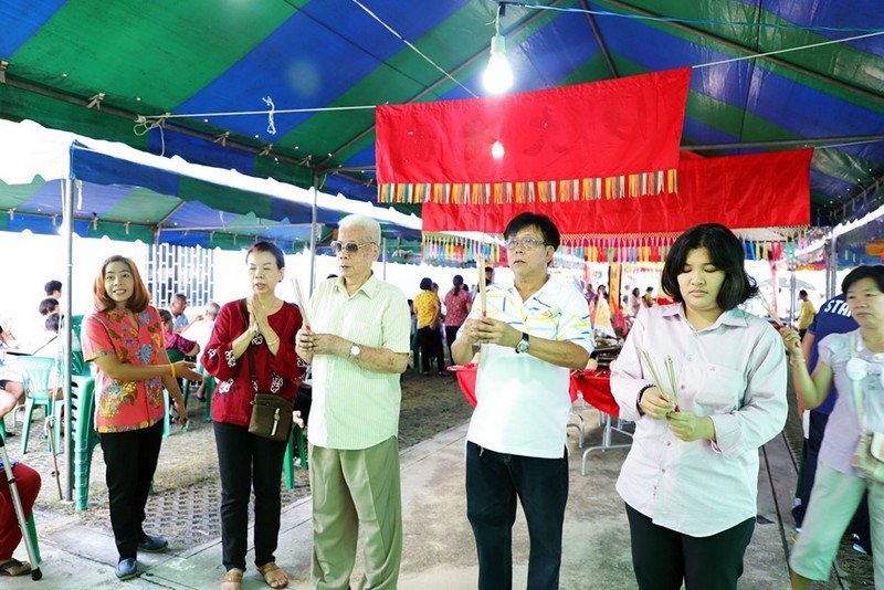 The Hungry Ghost Festival, or Por Tor Festival as it is called in Phuket, got underway yesterday (Aug 13) with prayers and offerings to Por Tor Kong, the King of Hell. Photo: Phuket City Municipality