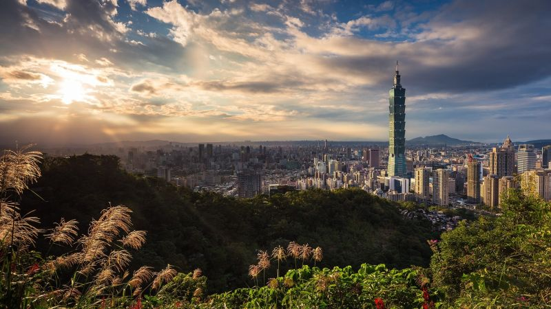Taipei skyline. Photo: Thomas Tucker / Unsplash