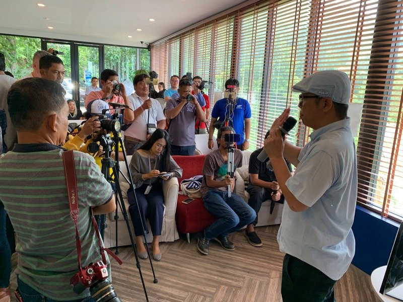 Manassanan Nararattanawee, the CEO of Kata Beach Co Ltd, as the owner of The Peak Residence development under construction at Kata Noi on Phuket's west coast, speaks to the press today (Aug 21). Photo: Eakkapop Thongtub