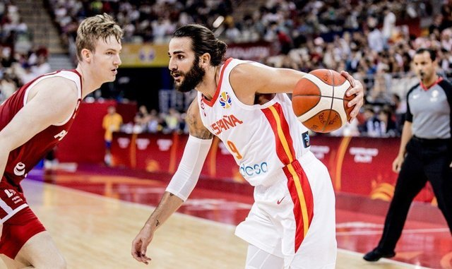 Spain gears up for a semifinal showdown against Australia or Czech Republic after a record-setting run with Ricky Rubio. Photo: AFP