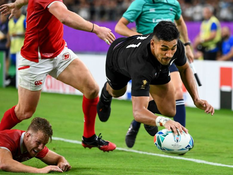 New Zealand wing Rieko Ioane scores the All Blacks' fifth try during the Rugby World Cup Pool B match between New Zealand and Canada at the Oita Stadium in Oita on Oct. 2, 2019. Photo: AFP