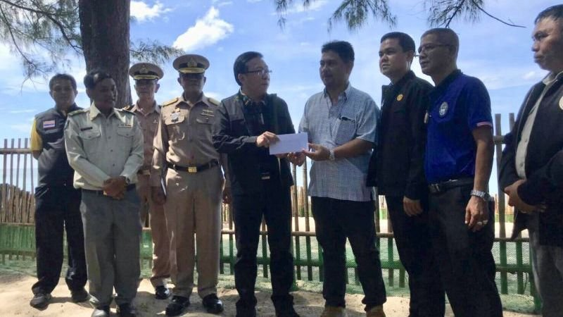 Fishermen receive reward for discovery of turtle egg nests as part of new preservation project