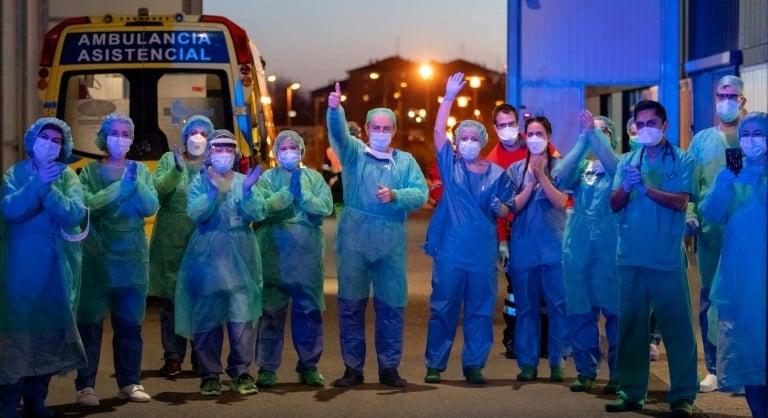 Virus death toll passes 21,000, three billion under lockdown