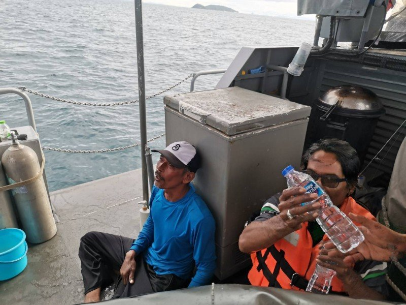 The two fishermen were rescued by a Navy patrol boat this morning (June 12). Photo: Royal Thai Navy Third Area Command