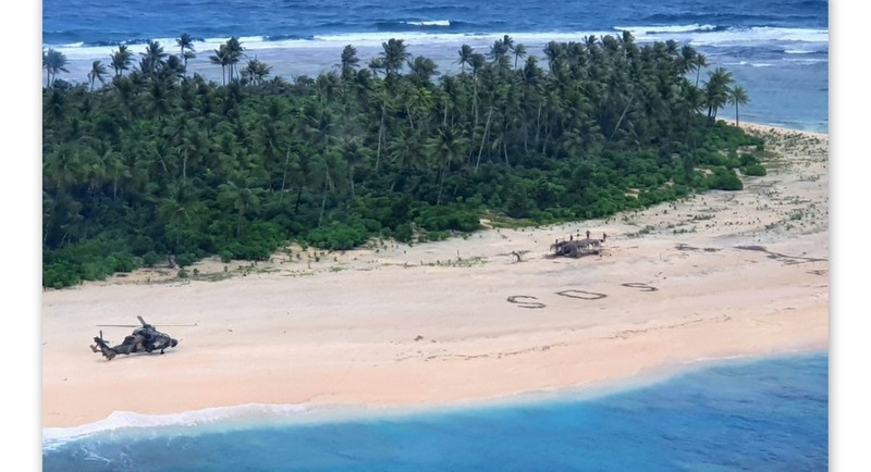Beach SOS leads to rescue of sailors stranded on Pacific isle