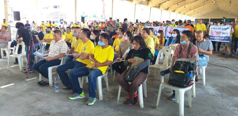 The villagers voiced their concerns at a public meeting yesterday (Sept 3). Photo: Eakkapop Thongtub